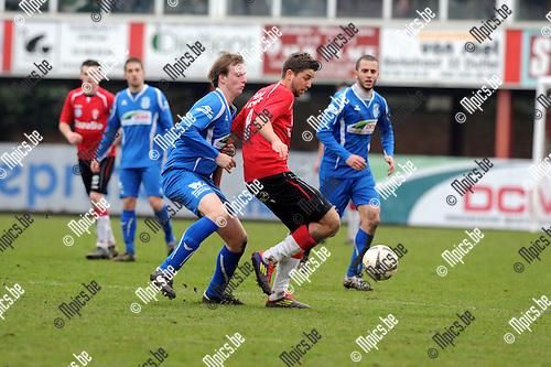 2013-03-10 / Voetbal / seizoen 2012-2013 / Lyra - Katelijne / Pinxteren met Trouillard (r. Lyra)..Foto: Mpics.be