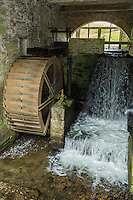 Europe/France/Normandie/Basse-Normandie/50/Manche/ Env de Sourdeval: Écomusée du Moulin de la Sée - Maison de l'Eau et de la Rivière - la roue du Moulin //  France, Manche,  Sourdeval:   Écomusée du Moulin de la Sée - Maison de l'Eau et de la Rivière: Sée Mill Eco-Museum tells the story of local people and their industries...