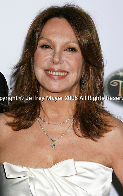 BEVERLY HILLS, CA. - October 11: Actress Marlo Thomas arrives at St. Jude's 5th Annual Runway For Life Benefit at the Beverly Hilton Hotel on October 11, 2008 in Beverly Hills, California.