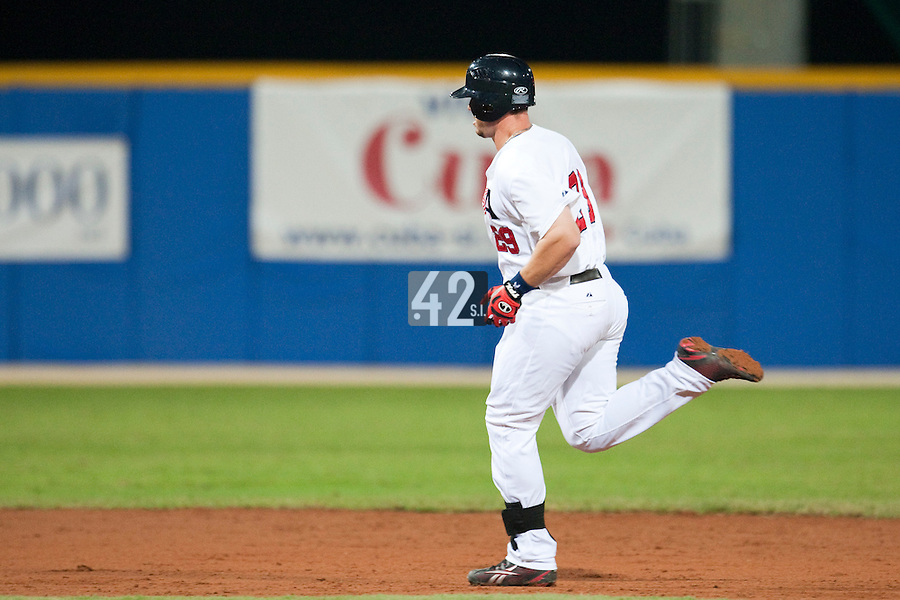 24 September 2009: Terry Tiffee of Team USA runs the bases as he hits a home run during the 2009 Baseball World Cup final round match won 5-3 by Team USA over Cuba, in Nettuno, Italy.