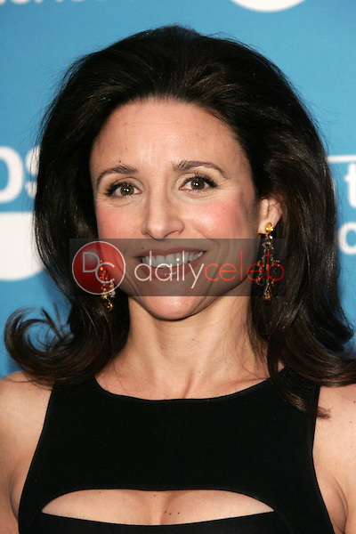 """Julia Louis Dreyfus<br /> at the """"Earth to America!"""" Show presented by TBS and Laurie David, The Colosseum at Caesar's Palace, Las Vegas, NV 11-17-05<br /> David Edwards/DailyCeleb.Com 818-249-4998"""