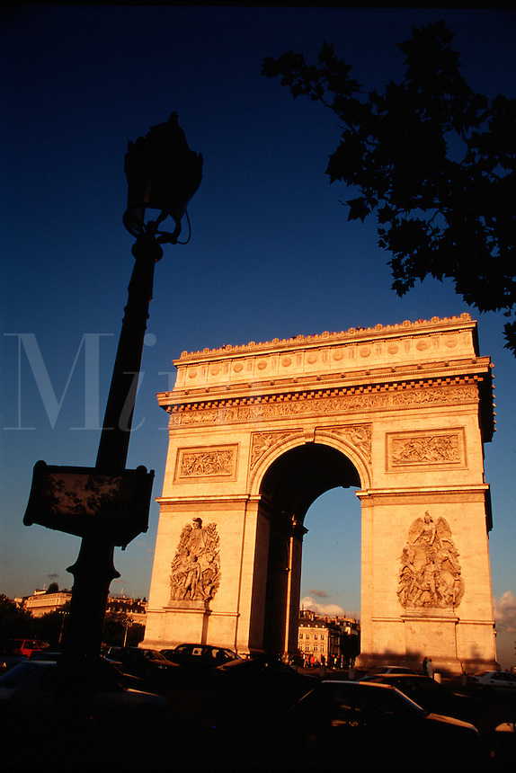 L'Arc de Triomphe. Paris, France.