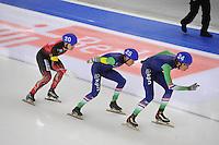 SCHAATSEN: BERLIJN: Sportforum Berlin, 07-12-2014, ISU World Cup, Mass Start Men, Arjan Stroetinga (#25), Jorrit Bergsma (#24), ©foto Martin de Jong