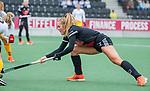 AMSTELVEEN - Floor de Haan (Adam)   tijdens de hoofdklasse hockeywedstrijd dames,  Amsterdam-Den Bosch (1-1).   COPYRIGHT KOEN SUYK