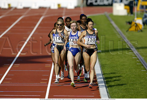 148 TATYANA TOMASHOVA (RUS) & 120. JO PAVEY (GBR) lead, Women's 3000m, IAAF Grand Prix Final 2002, Stade Charlety, Paris 020914 Photo:Neil Tingle/Action Plus...Athletics.woman .distance track and field female Joanne