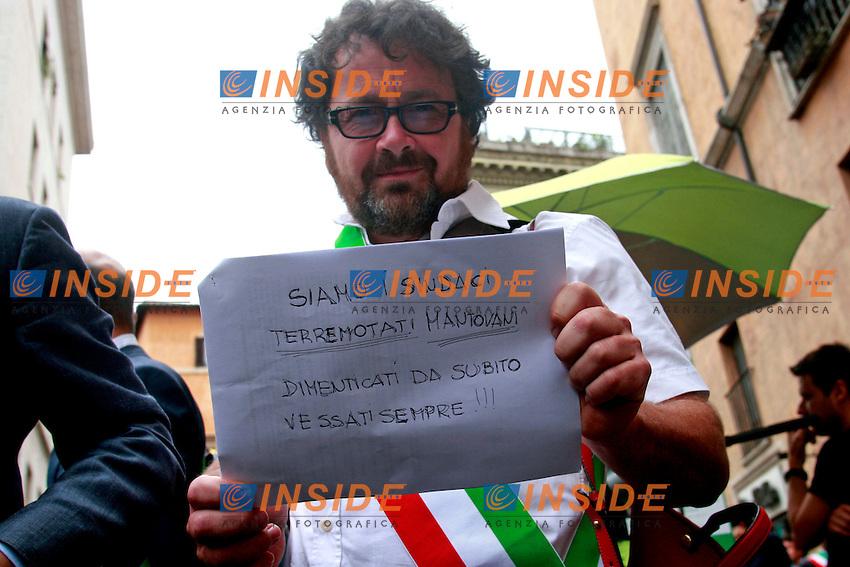 .Roma 24/07/2012 Manifestazione organizzata dall'Anci con i sindaci di varie le citta' italiane contro i tagli lineari del Governo..Photo Samantha Zucchi Insidefoto