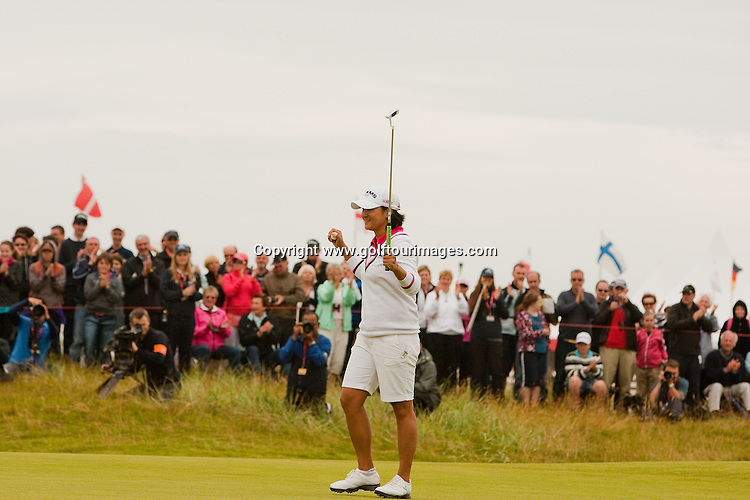 Yani Tseng celebrates winning the 2011 Rocoh Womans British Open at Carnoustie: Picture Stuart Adams www.golftourimages.com: 2012