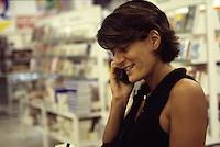 donna al telefono Femme au téléphone<br /> <br /> Woman calling
