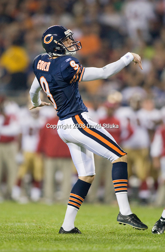 Kicker Robbie Gould #9 of the Chicago Bears kicks a field goal against the San Francisco 49ers at Soldier Field on August 21, 2008 in Chicago, Illinois. The 49ers defeated the Bears 37-30. (AP Photo/David Stluka)
