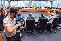 8. Sitzung des &quot;1. Untersuchungsausschuss&quot; der 19. Legislaturperiode des Deutschen Bundestag am Donnerstag den 26. April 2018 zur Aufklaerung des Terroranschlag durch den islamistischen Terroristen Anis Amri auf den Weihnachtsmarkt am Berliner Breitscheidplatz im Dezember 2016.<br /> Es fand an diesem Sitzungstag eine oeffentliche Anhoerung von sieben Sachverstaendigen und einem AfD-Foerderer zum Thema: &quot;Gewaltbereiter Islamismus und Radikalisierungsprozesse&quot; statt.<br /> 26.4.2018, Berlin<br /> Copyright: Christian-Ditsch.de<br /> [Inhaltsveraendernde Manipulation des Fotos nur nach ausdruecklicher Genehmigung des Fotografen. Vereinbarungen ueber Abtretung von Persoenlichkeitsrechten/Model Release der abgebildeten Person/Personen liegen nicht vor. NO MODEL RELEASE! Nur fuer Redaktionelle Zwecke. Don't publish without copyright Christian-Ditsch.de, Veroeffentlichung nur mit Fotografennennung, sowie gegen Honorar, MwSt. und Beleg. Konto: I N G - D i B a, IBAN DE58500105175400192269, BIC INGDDEFFXXX, Kontakt: post@christian-ditsch.de<br /> Bei der Bearbeitung der Dateiinformationen darf die Urheberkennzeichnung in den EXIF- und  IPTC-Daten nicht entfernt werden, diese sind in digitalen Medien nach &sect;95c UrhG rechtlich geschuetzt. Der Urhebervermerk wird gemaess &sect;13 UrhG verlangt.]