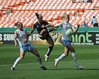Washington Freedom  forward Lisa De Vanna (17).   Washington Freedom tied with The Chicago Red Stars 0-0  at RFK Stadium, Saturday June 13, 2009.