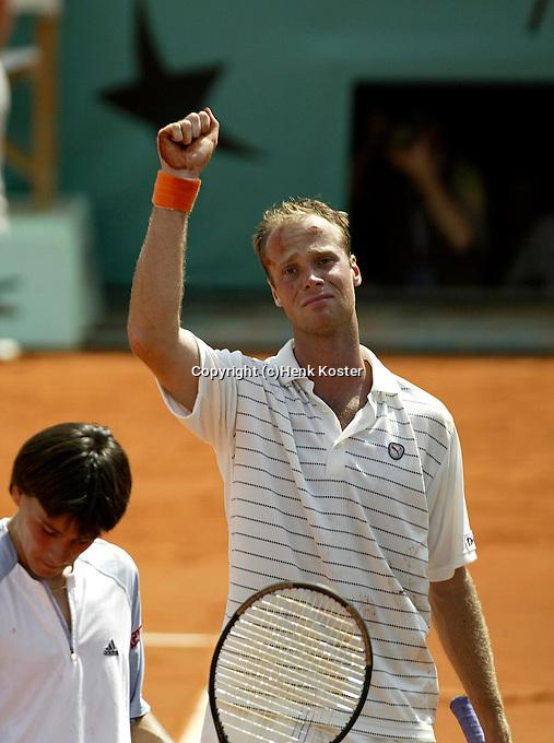 20030606, Paris, Tennis, Roland Garros, Martin Verkerk plaats zich vooe de finale en raakt emotioneel