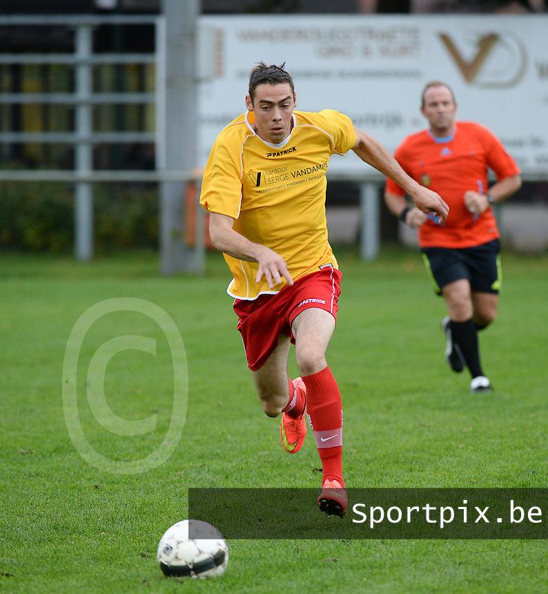 SV Moorslede  : Matthias Corneillie <br /> foto VDB / BART VANDENBROUCKE