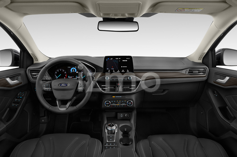 Stock photo of straight dashboard view of 2019 Ford Focus-Clipper Vignale 5 Door Wagon Dashboard