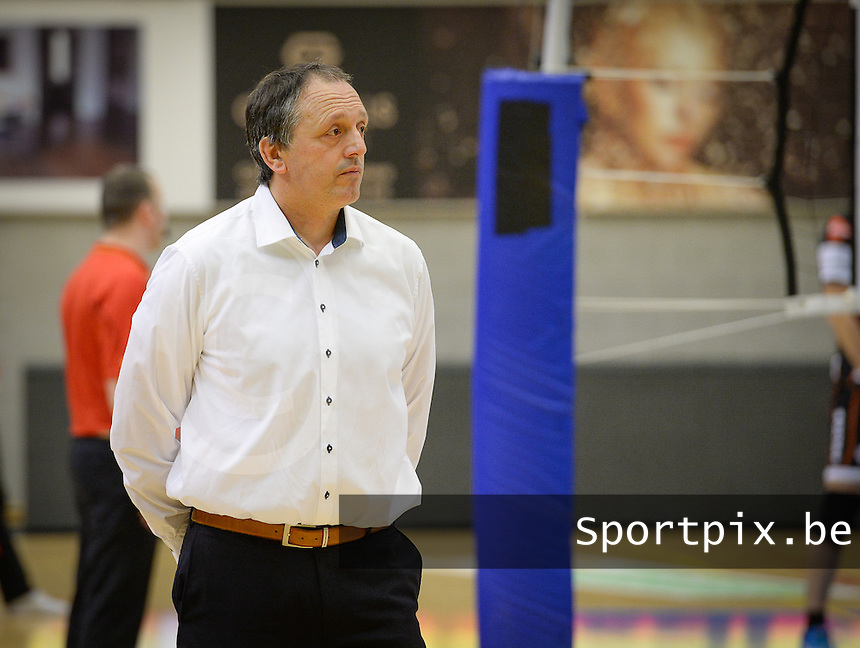 20161228 - ROESELARE ,  BELGIUM : Roeselare's head coach Emile Rousseaux pictured during the second semi final in the Belgian Volley Cup between Knack Volley Roeselare and Lindemans Aalst in Roeselare , Belgium , Wednesday 28 th December 2016 . PHOTO SPORTPIX.BE | DAVID CATRY