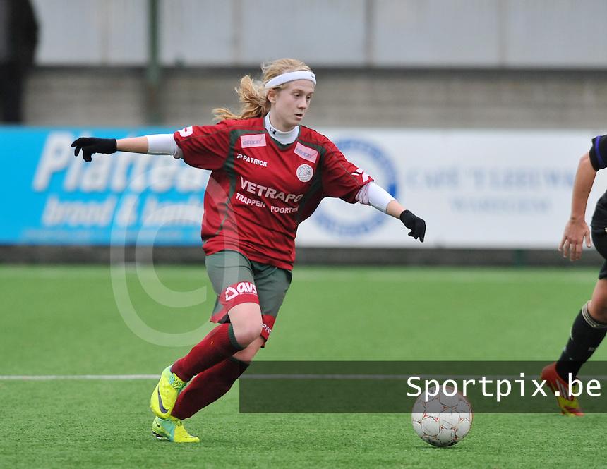 Dames Zulte - Waregem - RSC Anderlecht : Silke Demeyere aan de bal.foto DAVID CATRY / VROUWENTEAM.BE