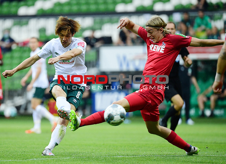 v.l. Yuya Osako (Bremen), Sebastiaan Bornauw<br />Bremen, 27.06.2020, Fussball Bundesliga, SV Werder Bremen - 1. FC Koeln<br />Foto: VWitters/Witters/Pool//via gumzmedia/nordphoto<br /> DFL REGULATIONS PROHIBIT ANY USE OF PHOTOGRAPHS AS IMAGE SEQUENCES AND OR QUASI VIDEO<br />EDITORIAL USE ONLY<br />NATIONAL AND INTERNATIONAL NEWS AGENCIES OUT