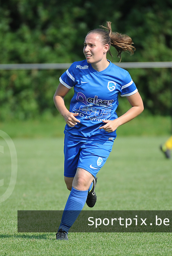 20160827 - ZWEVEZELE , BELGIUM : Genk's Jana Billen pictured during the soccer match  in the 2nd round of the  Belgian cup 2017 , a soccer women game between SK Voorwaarts Zwevezele and RC Genk Ladies  , in Zwevezele , saturday 27 th August 2016 . PHOTO SPORTPIX.BE / DIRK VUYLSTEKE