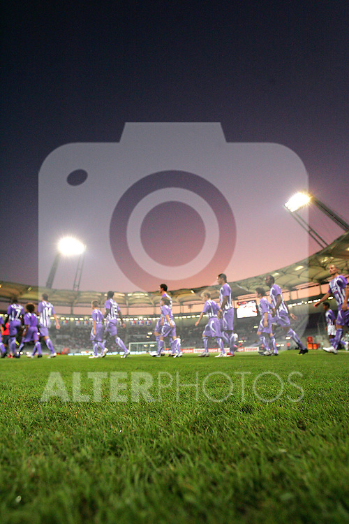 A general view of the sunset in Toulouse as the players exit the tunnel. Toulouse v Trabzonspor, Europa Cup, Second Leg, Stade Municipal, Toulouse, France, 27th August 2009.