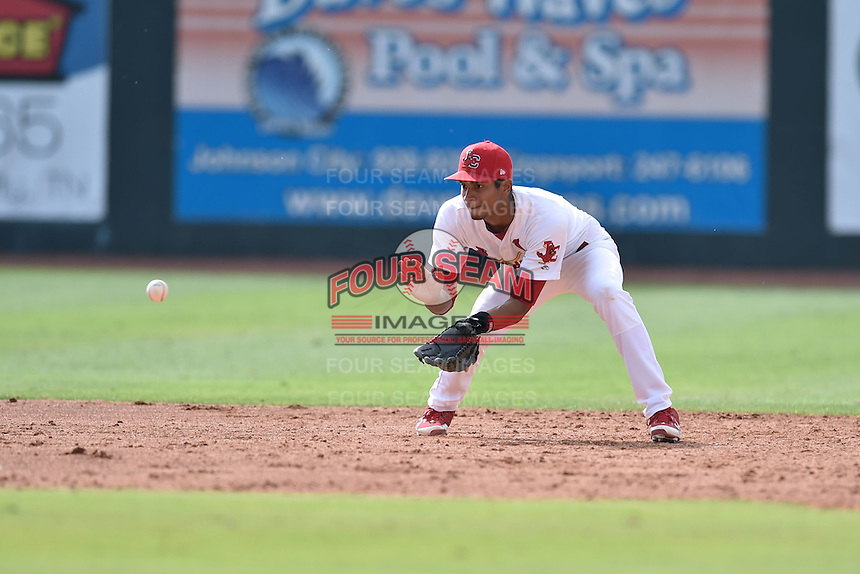 Johnson City Cardinals shortstop Oscar Mercado #4 fields and throws to first during a game against the Bristol Pirates at Howard Johnson Field July 20, 2014 in Johnson City, Tennessee. The Pirates defeated the Cardinals 4-3. (Tony Farlow/Four Seam Images)