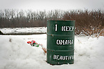 21 January 2010 -- Daily picture for January 21, 2010. Keep Omaha Beautiful, a trash can next to the Missouri River in NP Dodge Park in Omaha, Nebraska. PHOTO/Daniel Johnson (Copyright 2010 Daniel Johnson)