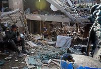 INZA -COLOMBIA-07-12-2013. Al menos nueve muertos dejó el atentado terrorista contra una estación de la Policía Nacional en el municipio de Inza, Cauca, ubicado suroeste de Colombia. El ataque se le atribuye a la guerrila de las Farc quienes al parecer lanzaron cilindros de gas cargados con explosivos desde un carro que llevaba cebollas./ At least nine death left the terrorist attack  against a National Police station in the municipality of Inza, Cauca, southwest of Colombia. The attack is attribuited to the Farc guerrillas who shot explosive-filled cylinders from a vehicle loaded of onions.  Photo: VizzorImage/Juan C. Quintero/STR