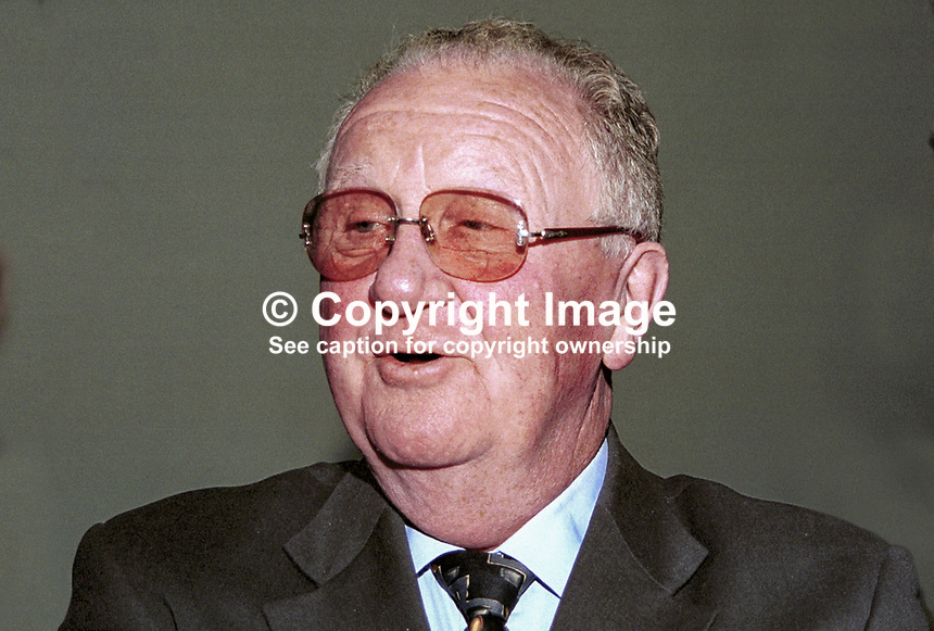 Mark Killilea, former TD, former MEP, Fianna Fail. Taken at Fianna Fail (Rep of Ireland Political Party) Ard Fheis (annual party conference) March 2000. .Ref: 200003049..Copyright Image from Victor Patterson, 54 Dorchester Park, Belfast, UK, BT9 6RJ..Tel: +44 28 9066 1296.Mob: +44 7802 353836.Voicemail +44 20 8816 7153.Skype: victorpattersonbelfast.Email: victorpatterson@mac.com.Email: victorpatterson@ireland.com (back-up)..IMPORTANT: If you wish to use this image or any other of my images please go to www.victorpatterson.com and click on the Terms & Conditions. Then contact me by email or phone with the reference number(s) of the image(s) concerned.