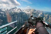 Blick aus dem Segelflugzeugcockpit auf den Triglav: SLOWENIEN , 11.05.2015 Blick aus dem Segelflugzeugcockpit auf den Triglav
