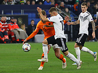 Joshua Kimmich (Deutschland, Germany) gegen Luuk de Jong (Niederlande) - 19.11.2018: Deutschland vs. Niederlande, 6. Spieltag UEFA Nations League Gruppe A, DISCLAIMER: DFB regulations prohibit any use of photographs as image sequences and/or quasi-video.