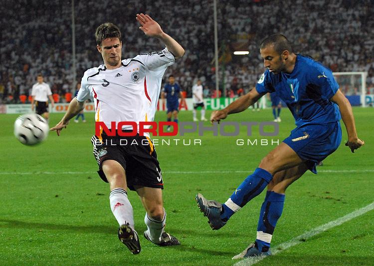 FIFA WM 2006 -  Semi Finals / Halbfinale<br /> <br /> Play    #61 (04-Juli) - Deutschland - Italien<br /> <br /> <br /> <br /> Arne Friedrich (GER) gegen Alesandro  del Piero (ITA)<br /> <br /> <br /> <br /> Foto &copy; nordphoto