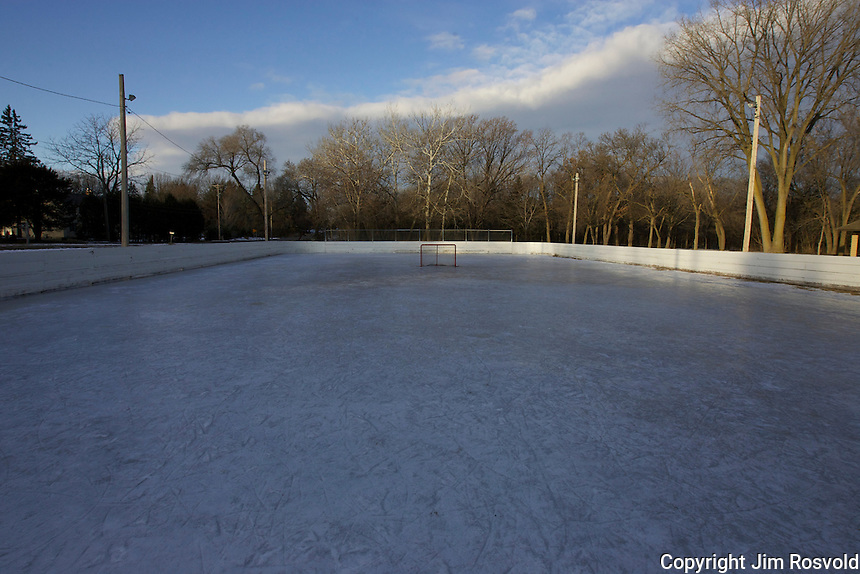 7 Jan 12: An empty rink on a Saturday morning at Wentworth Park in Mendota Heights, MN.