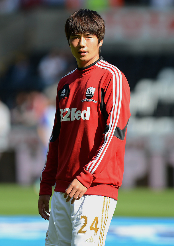 Swansea City's Ki Sung-Yong during the pre match warm up ..Football - Barclays Premiership - Swansea City v Everton - Saturday 22nd September 2012 - Liberty Stadium - Swansea..