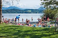 Oesterreich, Salzburger Land, Flachgau, Strandbad Wallersee bei Neumarkt am Wallersee | Austria, Salzburger Land, region Flachgau, Waller Lake near Neumarkt am Wallersee