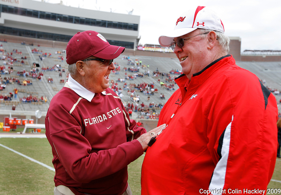 TALLAHASSEE, FL 11/21/09-FSU-MARY FB09 CH02-Florida State Head Coach Bobby Bowden, left, talks with Maryland Head Coach Ralph Friedgen prior to the game Saturday at Doak Campbell Stadium in Tallahassee. .COLIN HACKLEY PHOTO