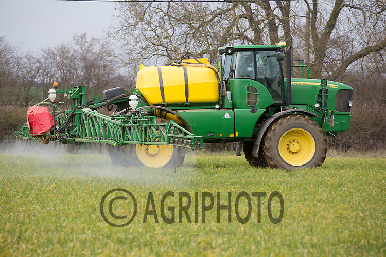 Spraying Herbicide and  Manganese to Winter cereals <br /> Picture Tim Scrivener 07850 303986 <br /> scrivphoto@btinternet.com<br /> &hellip;.covering agriculture in the UK&hellip;.