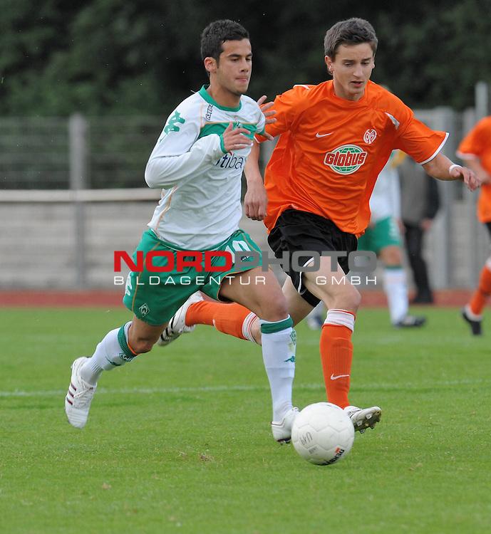 FBL 08/09 - Halbfinale U19 Deutsche Meisterschaft Rueckspiel Bremen Platz 11<br /> Werder Bremen - Mainz 05 0:3 (0:1) - Finaleinzug Mainz 05<br /> <br /> Serhan Zengin (Bremen #10)<br /> <br /> Foto &copy; nph (nordphoto)