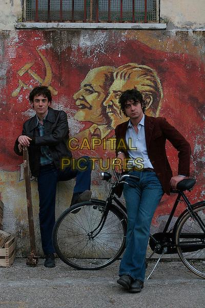 ELIO GERMANO & RICCARDO SCAMARCIO.in Mio fratello e figlio unico  .*Filmstill - Editorial Use Only*.CAP/FB.Supplied by Capital Pictures.