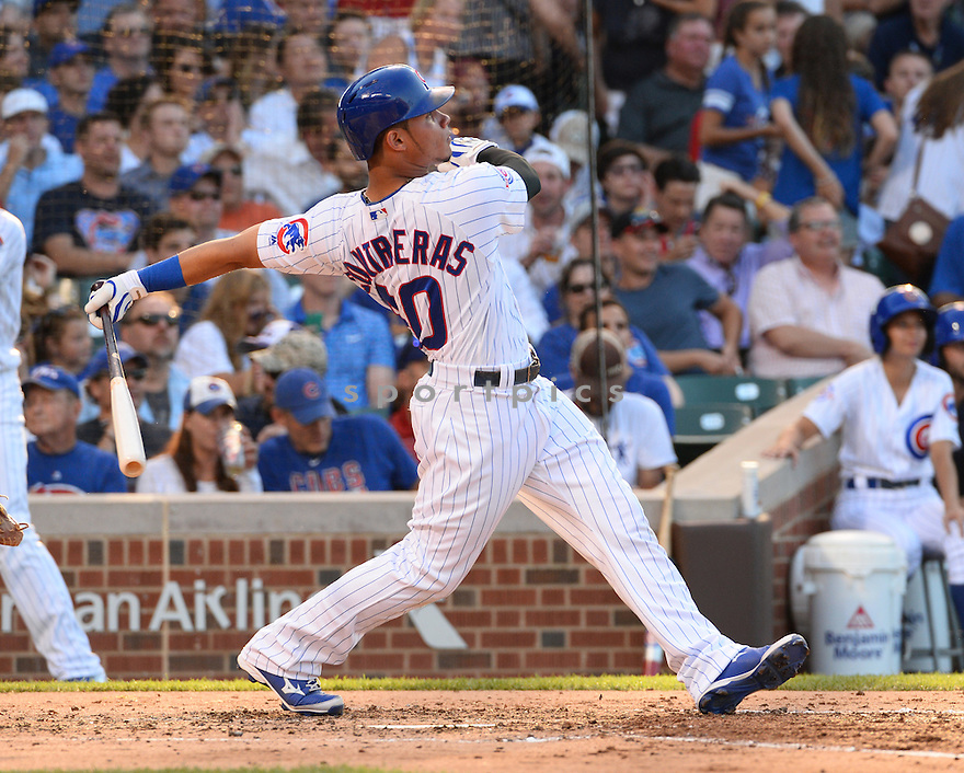 Chicago Cubs Willson Contreras (40) during a game against the New York Mets on July 18, 2016 at Wrigley Field in Chicago, IL. The Cubs beat the Mets 5-1.