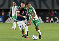 BOGOTA - COLOMBIA, 31-01-2018: Ayron del Valle (Izq) jugador de Millonarios disputa el balón con Edwin Velasco (Der) jugador de Atletico Nacional durante partido por la final ida de la SuperLiga Aguila 2018 jugado en el estadio Nemesio Camacho El Campin de la ciudad de Bogotá. / Ayron del Valle (L) player of Millonarios fights for the ball with Edwin Velasco (R) player of Atletico Nacional during the first leg match for the final of the SuperLiga Aguila 2018 played at the Nemesio Camacho El Campin Stadium in Bogota city. Photo: VizzorImage / Gabriel Aponte / Staff.
