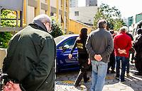 CURITIBA, PR,04.08.2015 – LAVA-JATO – Presos na 17ª fase da Operação Lava Jato, batizada de Operação Pixuleco, deixam o IML - institucional do Instituto Médico Legal do Estado do Paraná após a realização de exame de corpo delito na manhã desta terça-feira, (04).(Foto Paulo Lisboa/ Brazil Photo Press)