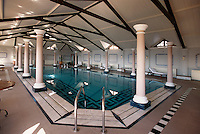 Indien, Himachal Pradesh, Shimla, Pool im Cecil Hotel