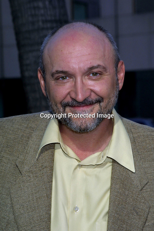 """©2002 KATHY HUTCHINS / HUTCHINS PHOTO.PREMIERE OF """"ROAD TO PERDITION"""".BEVERLY HILLS, CA  7/10/02.FRANK DARABONT"""