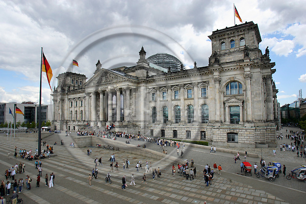 BERLIN- 7. MAY 2006 -- The German Parliaments building where the Addidas Arena has borrowed the front lawn..Photo: EUP & IMAGES / Uffe Noejgaard ..