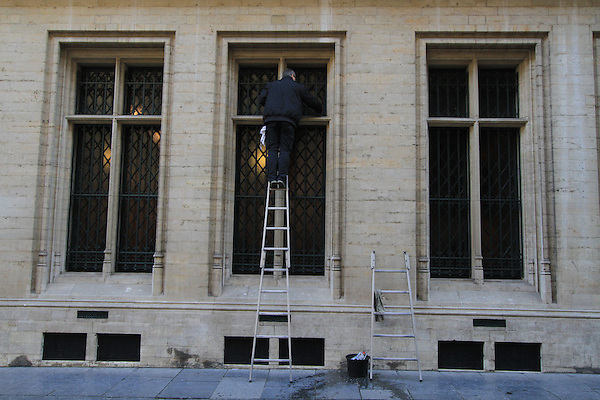 Window washer in the Grand Place (town square) in the morning in downtown Brussels, Belgium. .  John offers private photo tours in Denver, Boulder and throughout Colorado, USA.  Year-round. .  John offers private photo tours in Denver, Boulder and throughout Colorado. Year-round.