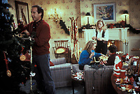 National Lampoon's Christmas Vacation (1989) <br /> Juliette Lewis, Johnny Galecki, Chevy Chase &amp; Beverly D'Angelo<br /> *Filmstill - Editorial Use Only*<br /> CAP/KFS<br /> Image supplied by Capital Pictures