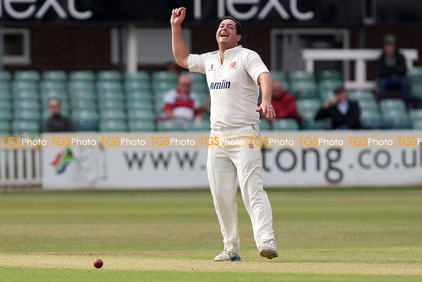 Delight for Jesse Ryder of Essex after he takes the wicket of Jigar Naik - Leicestershire CCC vs Essex CCC - LV County Championship Division Two Cricket at Grace Road, Leicester - 15/09/14 - MANDATORY CREDIT: Gavin Ellis/TGSPHOTO - Self billing applies where appropriate - contact@tgsphoto.co.uk - NO UNPAID USE