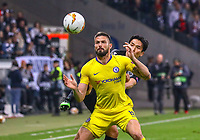 Olivier Giroud (Chelsea FC) gegen Makoto Hasebe (Eintracht Frankfurt) - 02.05.2019: Eintracht Frankfurt vs. Chelsea FC London, UEFA Europa League, Halbfinale Hinspiel, Commerzbank Arena DISCLAIMER: DFL regulations prohibit any use of photographs as image sequences and/or quasi-video.