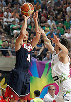 Slovenia's Domen Lorbek (r) and USA's Stephen Curry during 2014 FIBA Basketball World Cup Quarter-Finals match.September 9,2014.(ALTERPHOTOS/Acero)