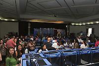 SAO PAULO, SP, 23.11.2013 - EXPOSICAO DE GATOS - Exposição do Clube Brasileiro do Gato, na Sociedade Hispano Brasileira, Ipiranga, Zona Sul de São Paulo (SP), neste domingo (24). O evento reúne 250 felinos de 21 raças diferentes, incluindo tipos exóticos como espécies sem pelos. Mais de 90 criadores do Brasil e da Argentina apresentam os bichanos e tiram dúvidas de quem tem ou quer ter um gato. (Foto: Vanessa Carvalho / Brazil Photo Press).