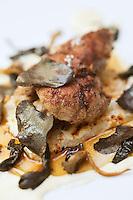 Europe/France/Provence-Alpes-Côte d'Azur/06/Alpes-Maritimes/Cannes: Ris de veau doré au beurre demi-sel avec salsifis gratinés à la crème de Parmesan recette de Nicolas Rondelli, du Restaurant Félix